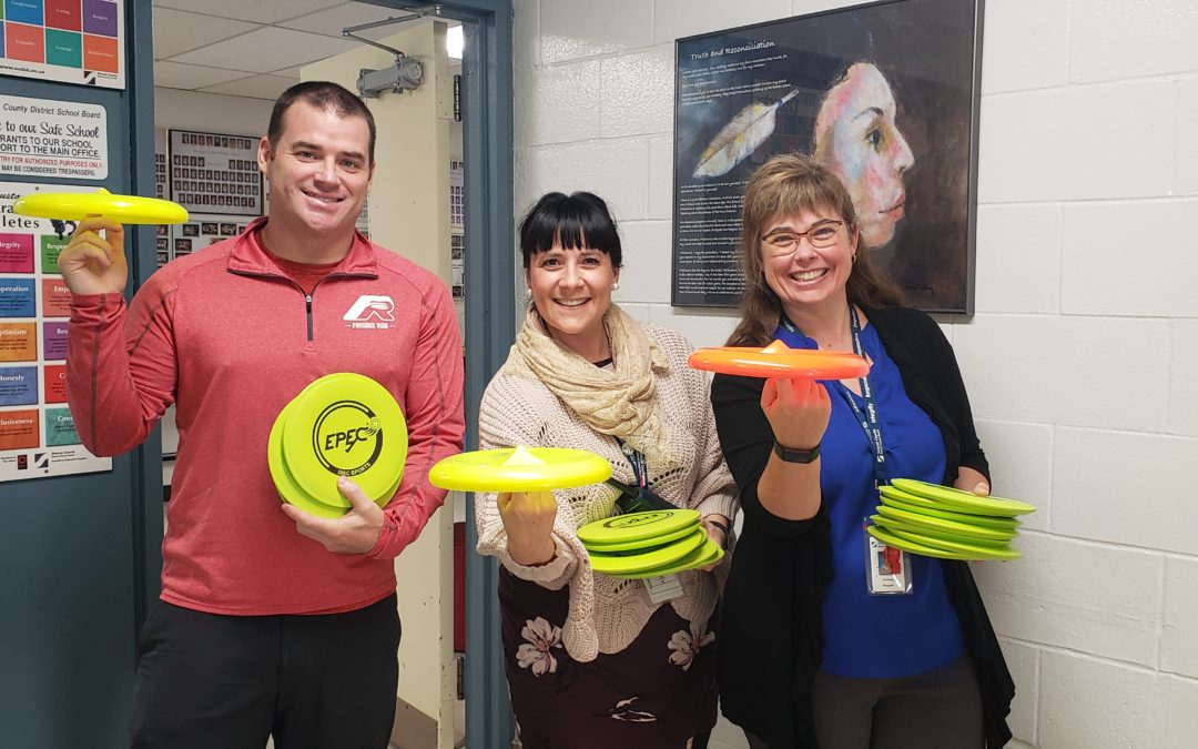 Frisbee and Unplugging at Minesing Central Public School